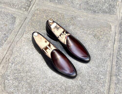 Ces mocassins en cuir Belgian Loafer, ici dans une patine red devil, sont idéaux pour toutes les occasions