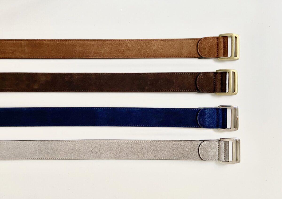 Sélection de ceinture pour hommes en veau velours, disponibles en cognac, chocolat, navy et beige antilope - Caulaincourt Paris