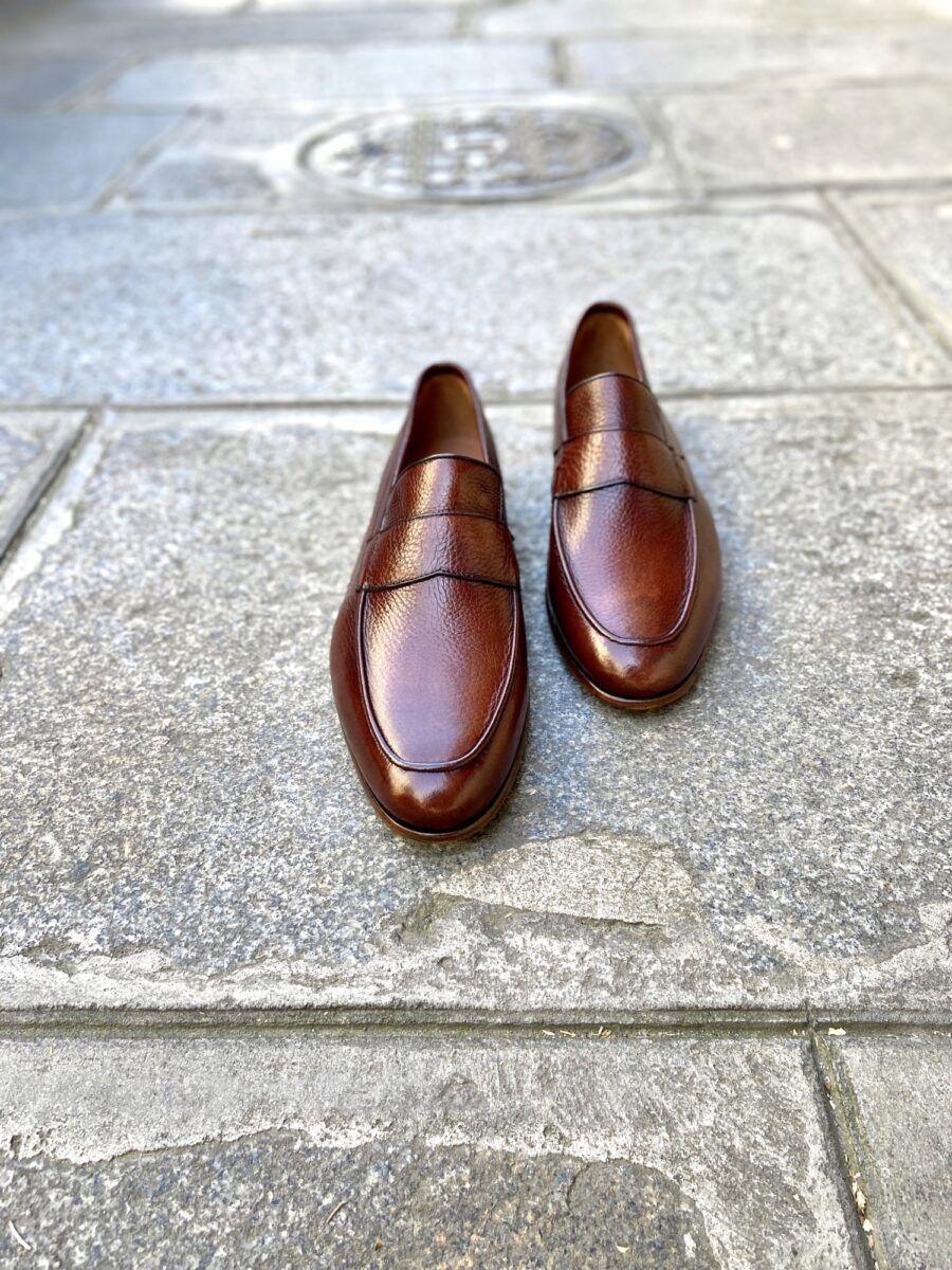 Mocassin en cuir grainé de couleur cognac - Caulaincourt Paris